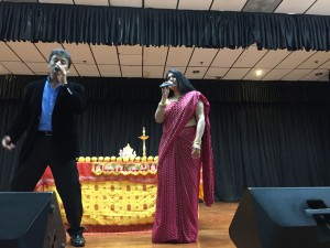 New jersey-based singer Varsha Joshi entertained the audience